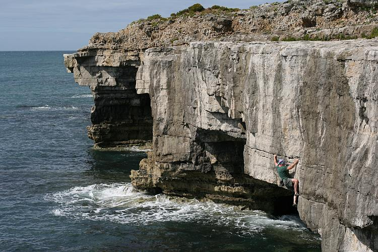 Pongoose blog image - Mick Ward soloing 'Hooked like no fish before me' at Portland, Dorset