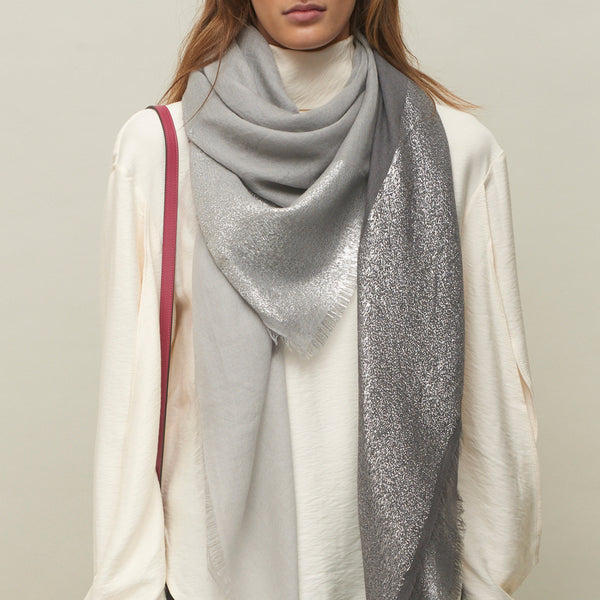 JANE CARR The Block Square in Grey, two tone cashmere scarf with Lurex - model