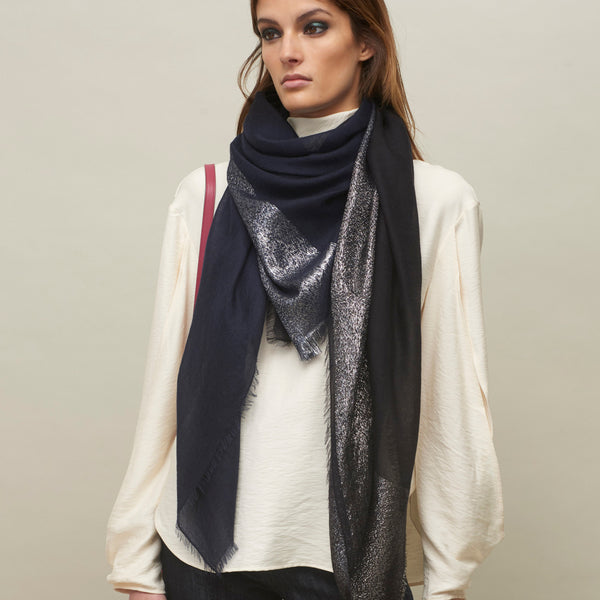 JANE CARR The Block Square in Navy, two tone cashmere scarf with Lurex - model