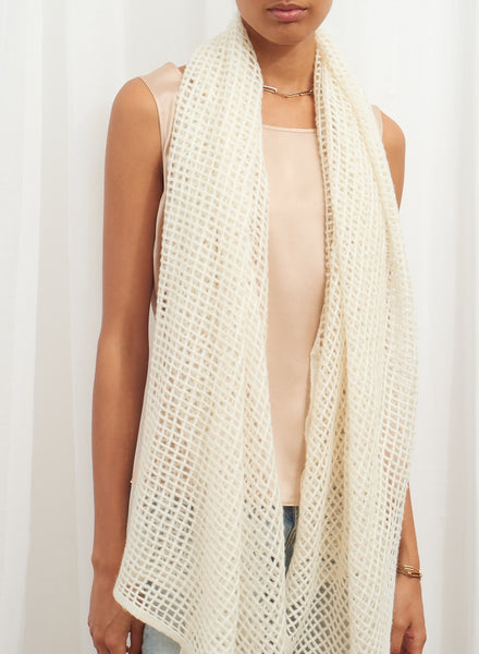 The Mesh Scarf in Cream, cream grid woven cashmere scarf - model