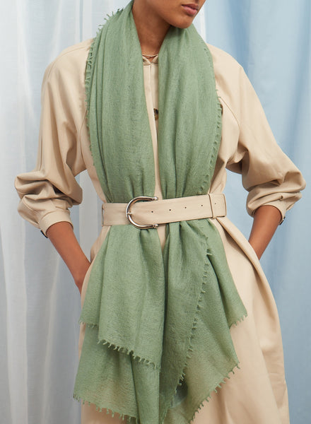 The Featherweight in Olive, green woven cashmere scarf - model