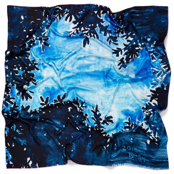 JANE CARR X ZHANG ENLI AND HAUSER & WIRTH BLUE TREE SQUARE - Blue multicolour printed silk twill scarf