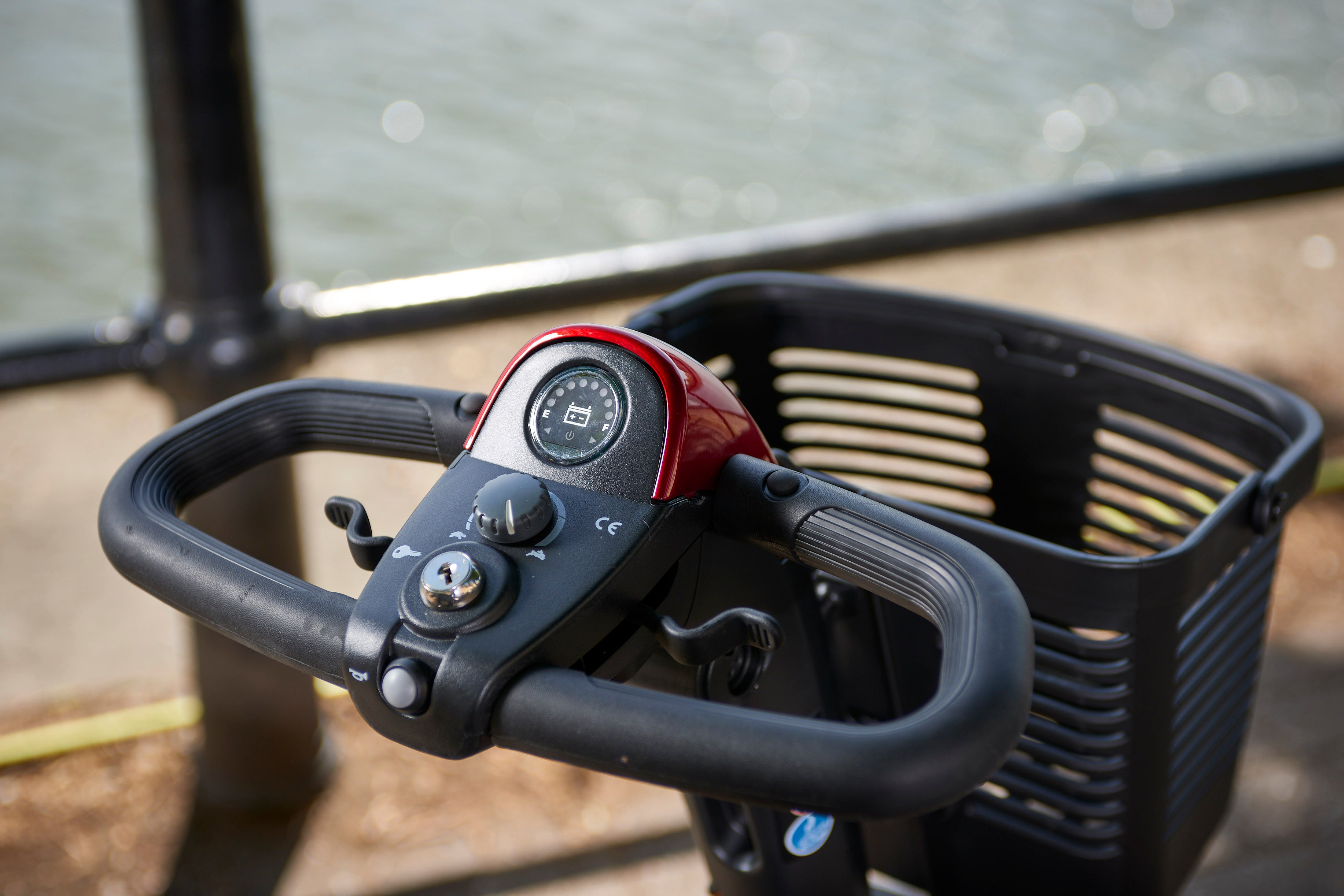 Image of delta wraparound handlebars on a Middletons mobility scooter