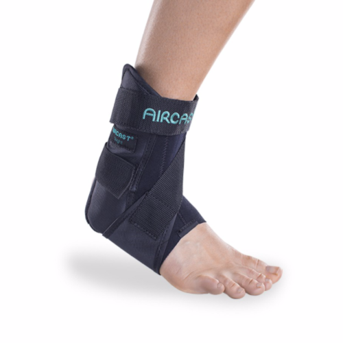 DonJoy Aircast AirSport Brace