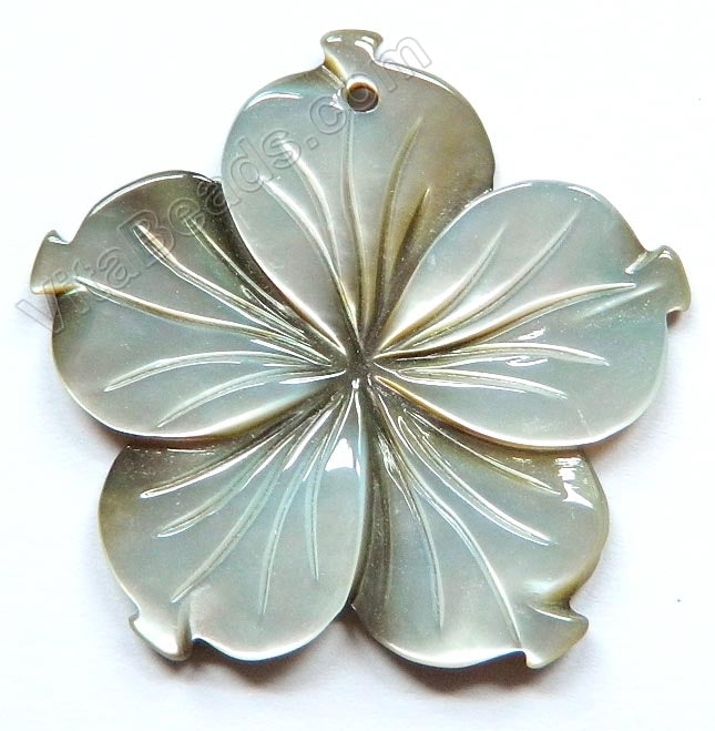 Carved Shell Pendant Grey  5-point petals