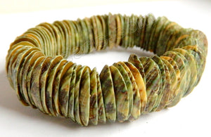 Shell  - Greenish Brown Round Long Tooth Bracelet