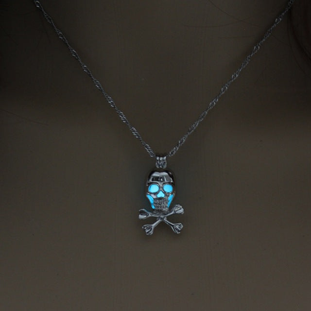 Glowing Skull Pendant Necklace