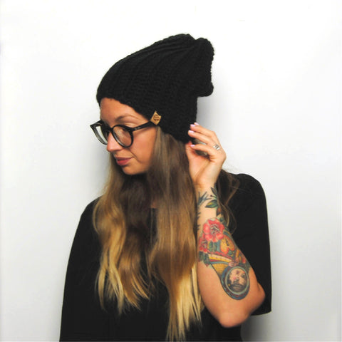 THE 'IRIS' BEANIE //black//