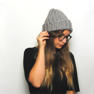 THE 'IRIS' BEANIE //grey//