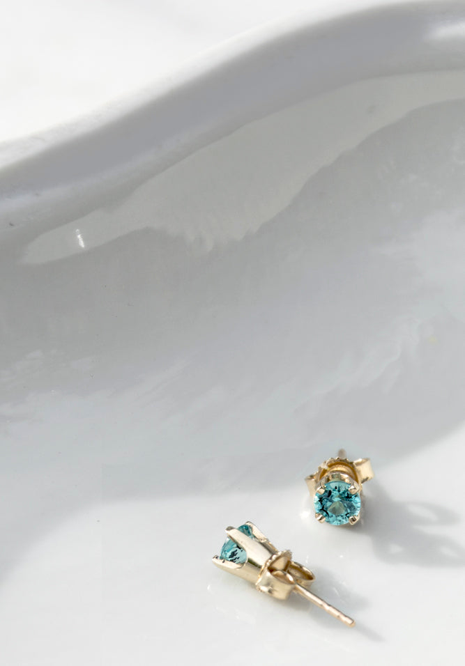 1970s Blue Apatite 14K Gold Stud Earrings