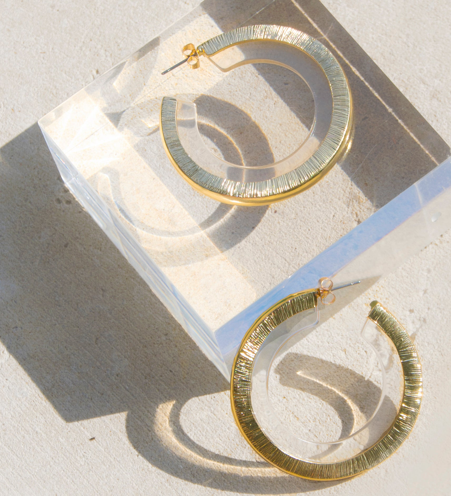Soleil Clear Lucite Hoop Earrings - Recollect Jewelry