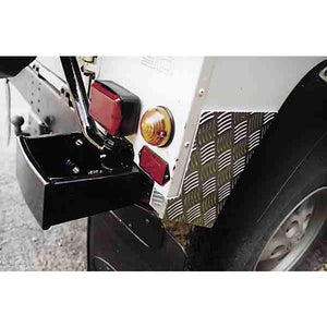MAMMOUTH DEFENDER 90 REAR CORNER CHEQUER PLATES BLACK