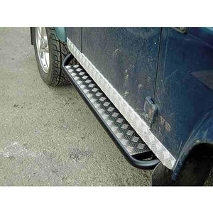 MAMMOUTH DEFENDER 90 BLACK SIDE SILL CHEQUER PLATE