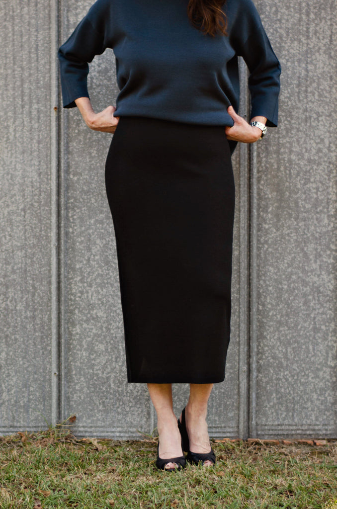 dc8b66c8b2 Eileen Fisher Silk & Cotton Interlock Knit Pencil Calf Knit Skirt In B –  RobinsNest