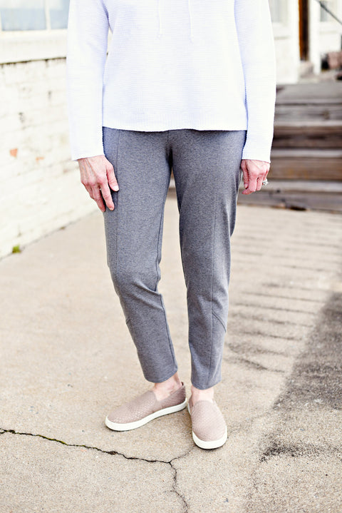 Eileen Fisher Slim Pant in Heathered Organic Cotton Stretch Jersey in Moon