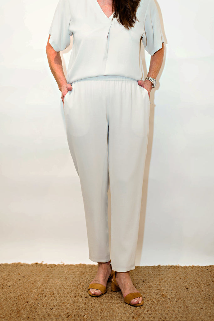 Eileen Fisher Slouchy Ankle Pant in Silk Georgette Crepe in Bone
