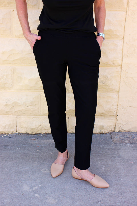 Eileen Fisher Washable Stretch Crepe Slim Ankle Pant in Black With Pockets