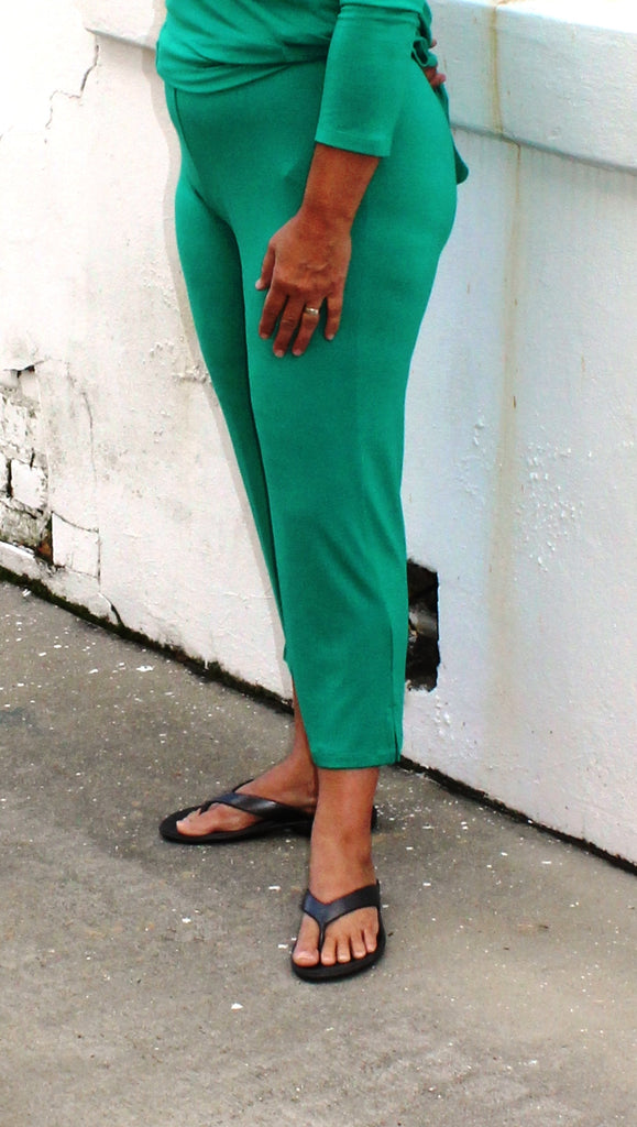 Comfy USA Slim Crop Pant in Emerald