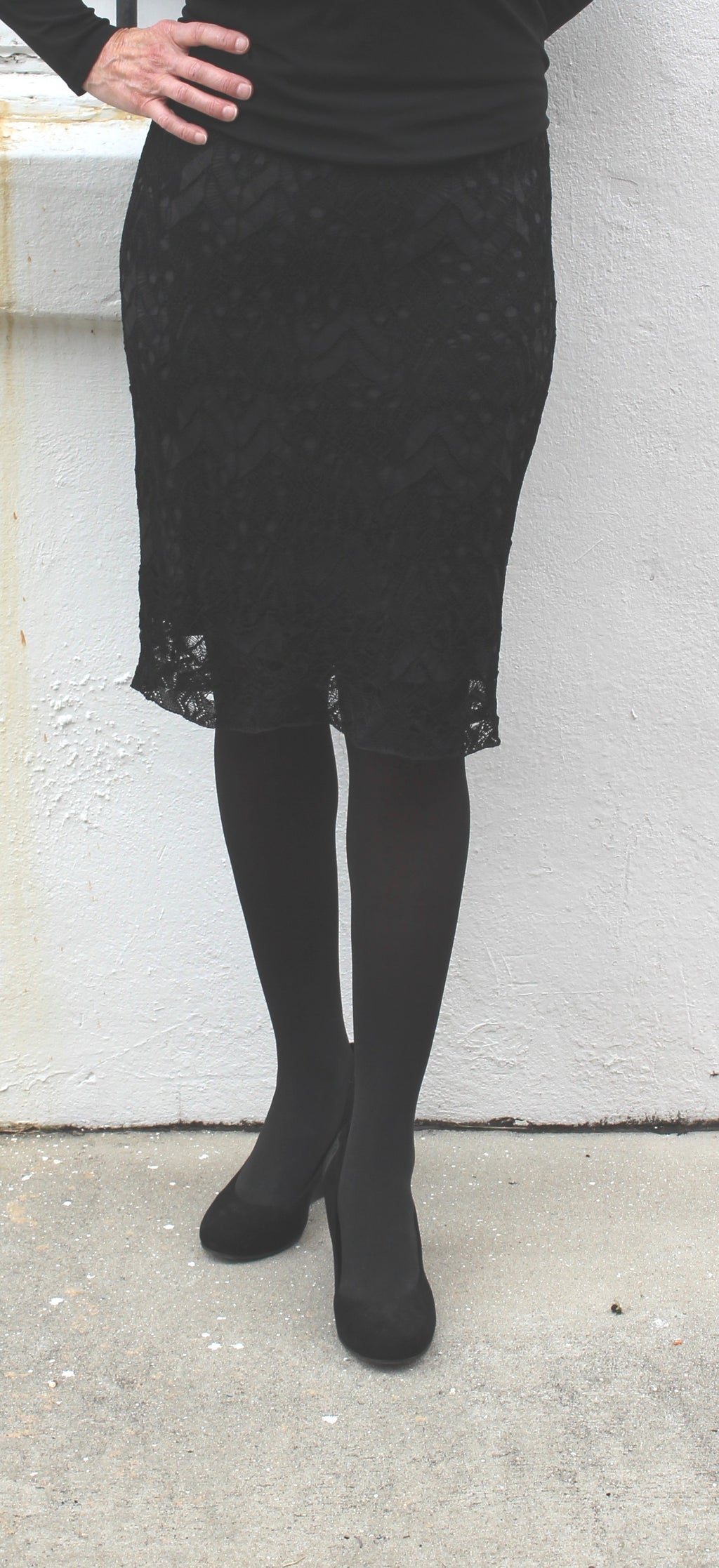 Eileen Fisher Short Skirt in Rayon Nylon Crinkle Lace in Black