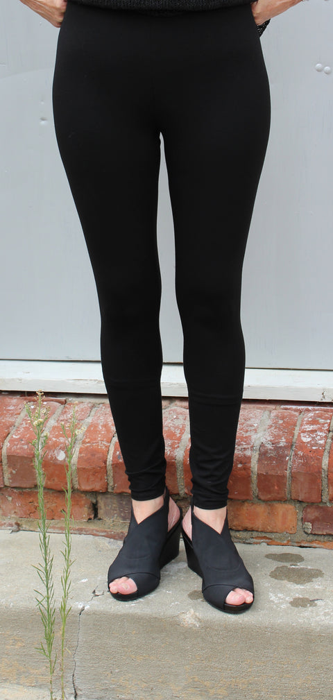 Eileen Fisher Ankle Leggings in Viscose Jersey in Black