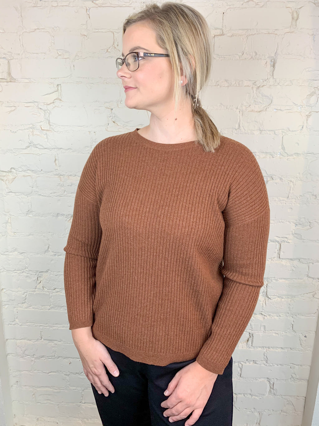 EILEEN FISHER ROUNDNECK TOP IN RIBBED CASHMERE