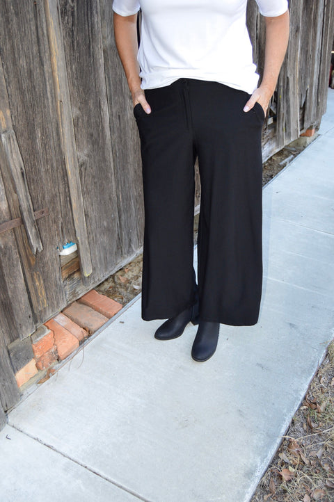 Eileen Fisher Lightweight Washable Stretch Crepe Wide Leg Pant in Black