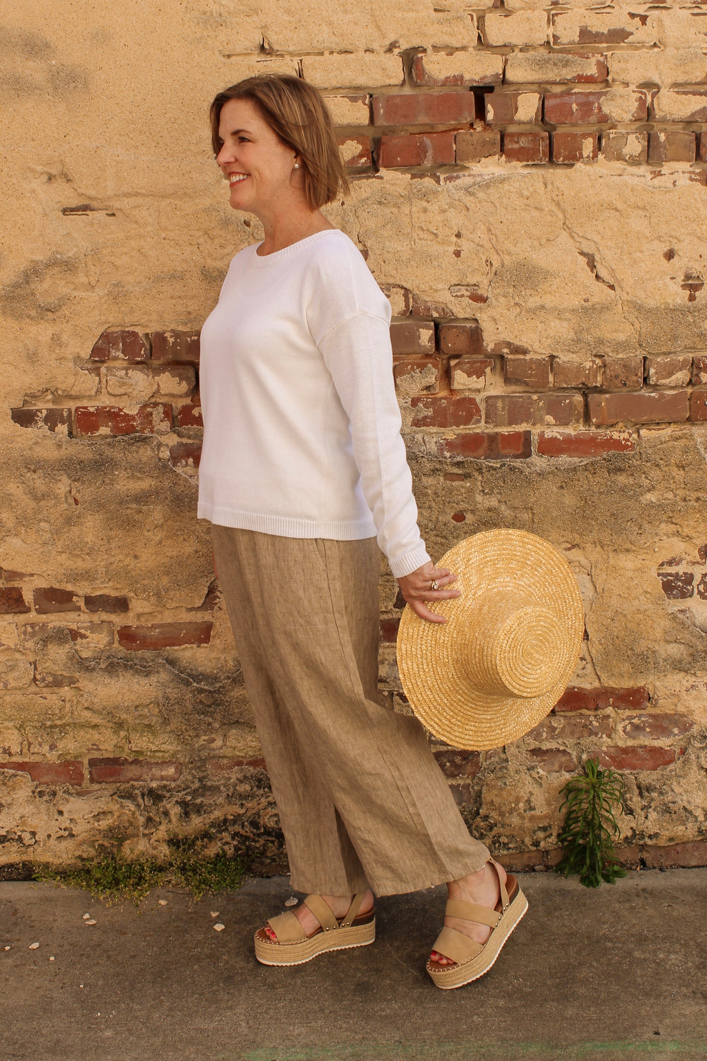 Eileen Fisher Washed Organic Linen Delave Pull On Cropped Pant in Khaki