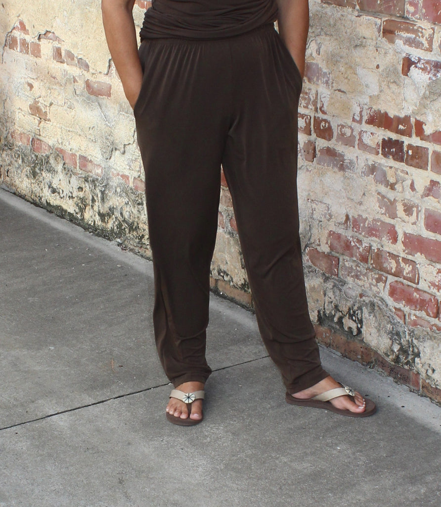 PLANET Slim Pant in Matte Jersey in Espresso