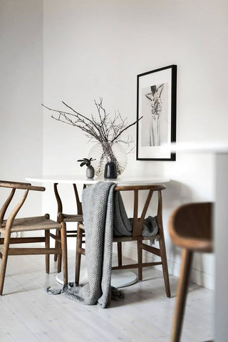 What Chairs Go With Tulip Table?