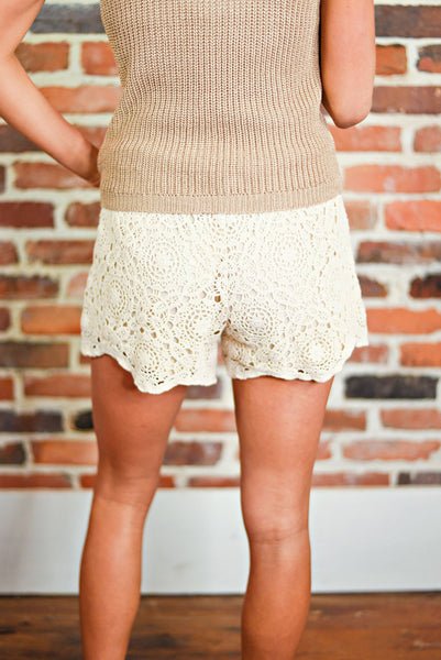 Right On Track Shorts in Cream
