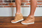 Matisse Timberwolf in Tan