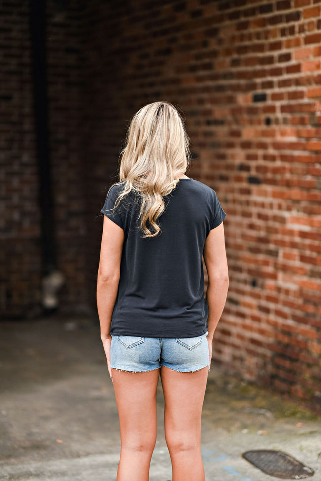 Casually Twisted Tee in Black