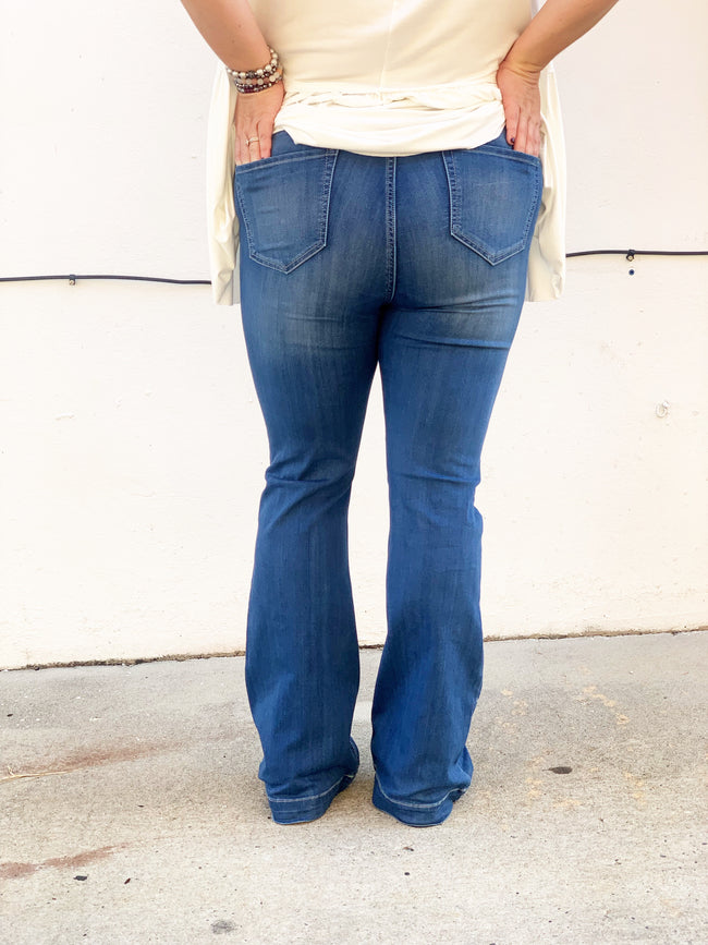Quick To Go Curvey Denim Flares