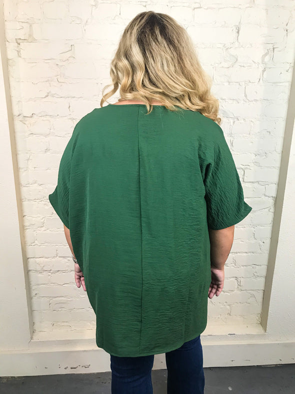 You Make It Easy Curvey Top in Army Green