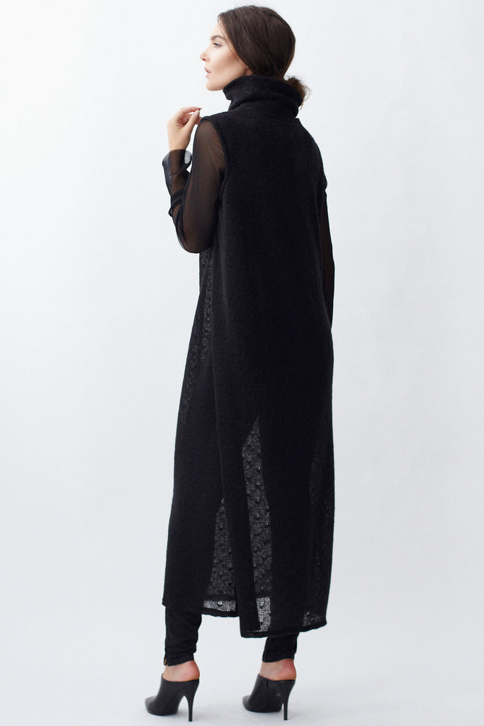KAI & KLO black sleeveless full length sweater dress.