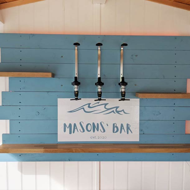Beach Bar Wooden Home Bar Set