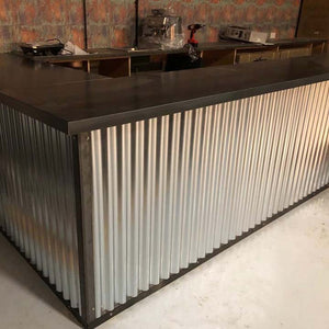 Large Steel L-Shaped Bar with Corrugated Panels