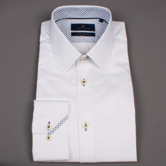 Pointy Collar White