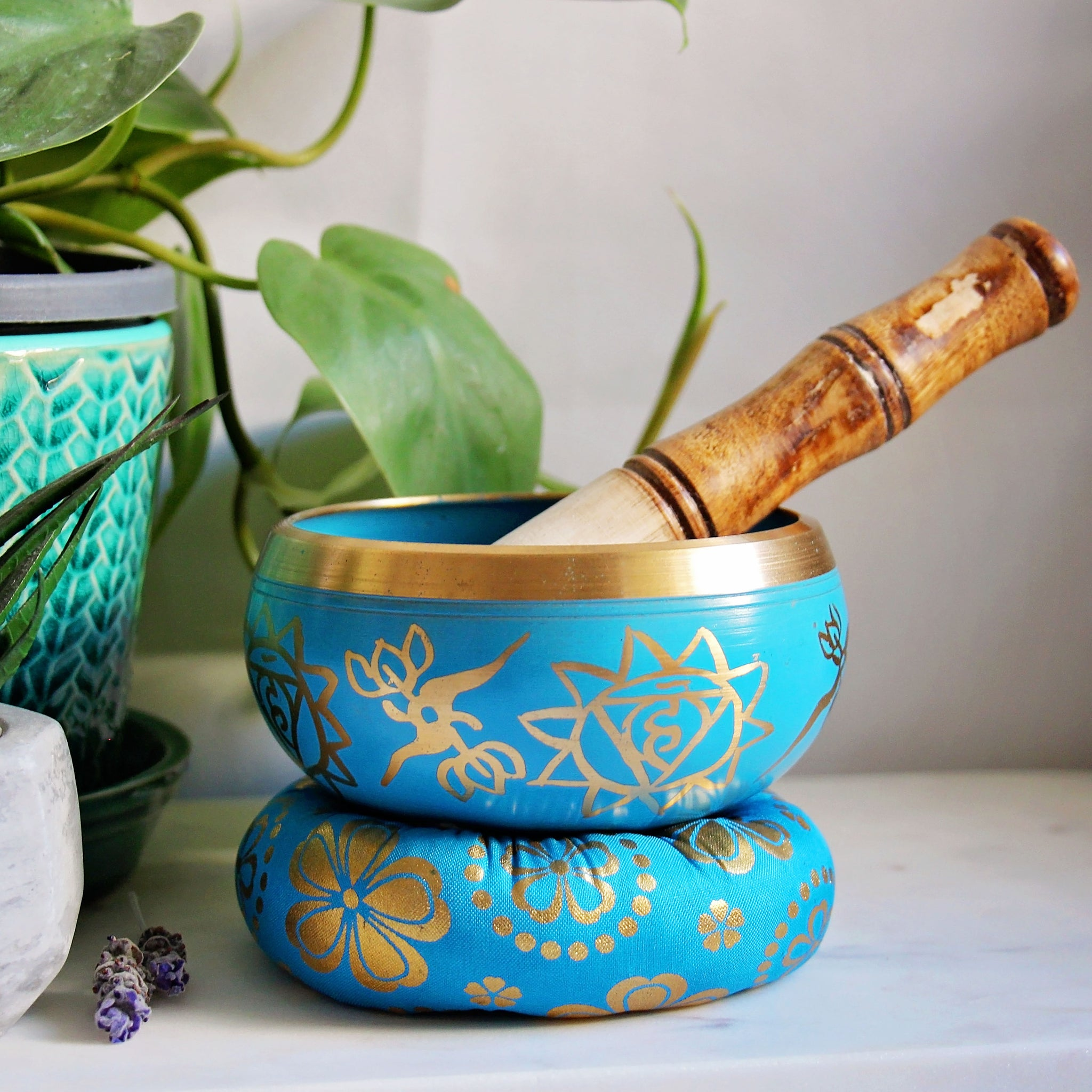 Tibetan Singing Bowl - Chakra Design - Throat - Blue
