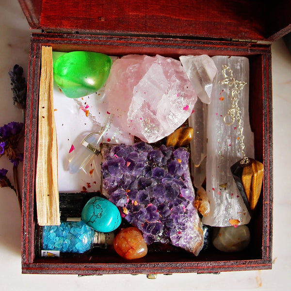 Witchy Treasures Box - Crystal Set - 3