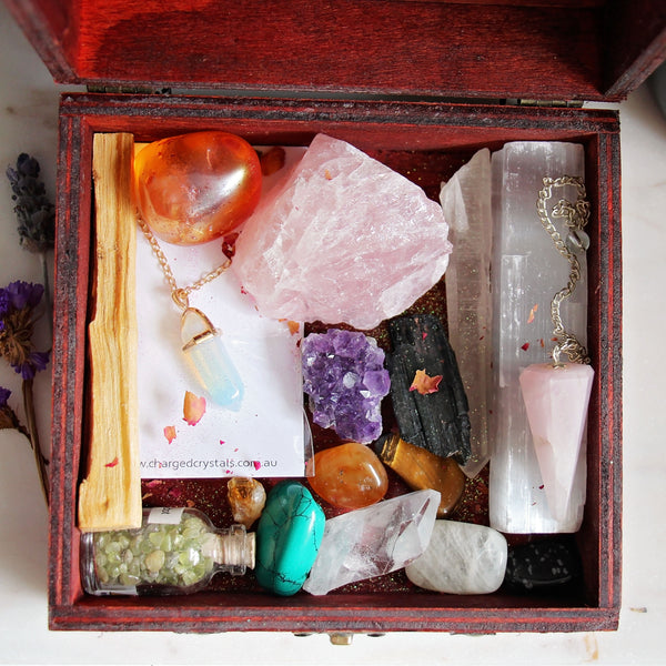Witchy Treasures Box - Crystal Set - 1
