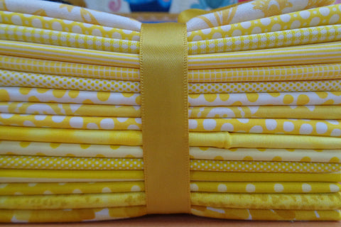 16 Yellow Fat Quarters