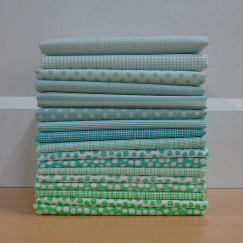 17 A Day in the Country GREEN Fat Quarters