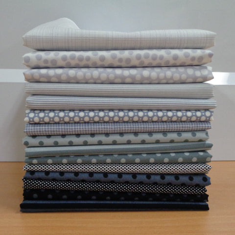 15 A Day in the Country GREY Fat Quarters