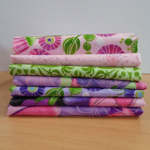 7 Sweet Pea & Lily Fat Quarters