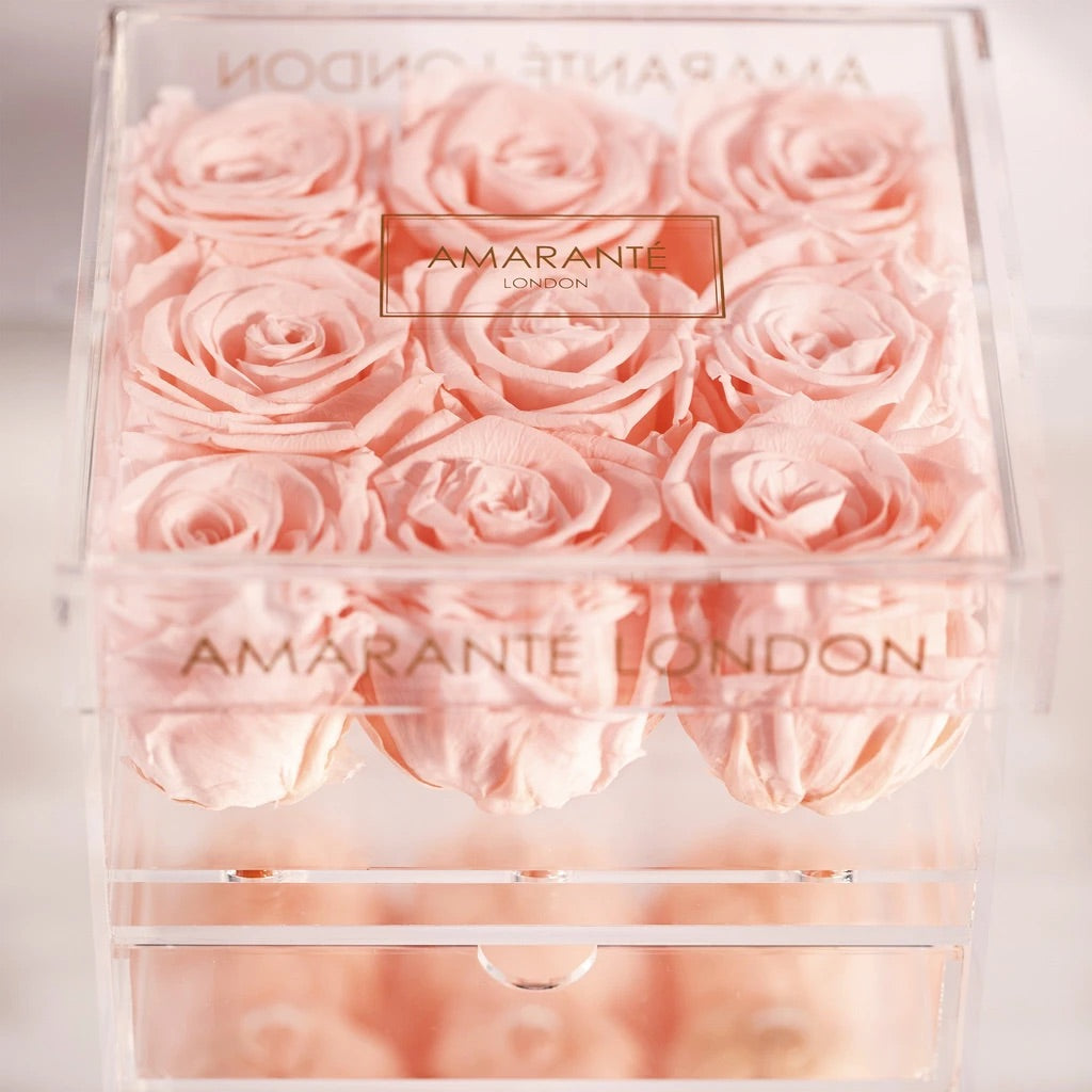 9 pink preserved roses in jewellery organiser - Amaranté London