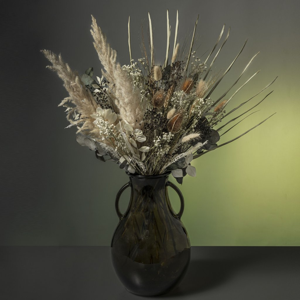 Preserved flowers in Glass Vase