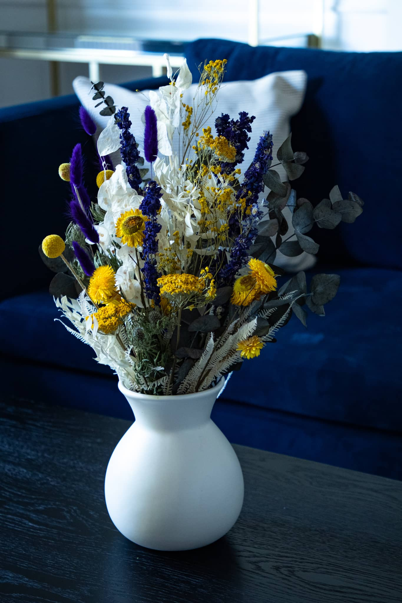 same-day Flowers for delivery in London: bespoke Dried Flower Arrangements and Bouquets