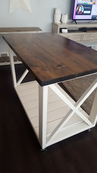Rolling kitchen island with locking wheels