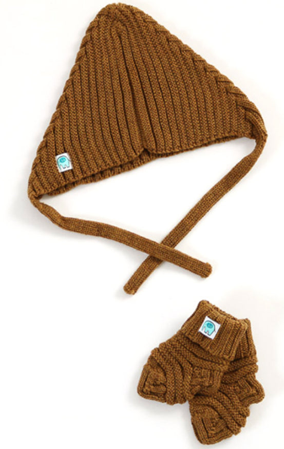 Archie Hat & Bootie Set